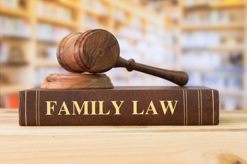 4 Tips to Hire a Divorce Lawyer