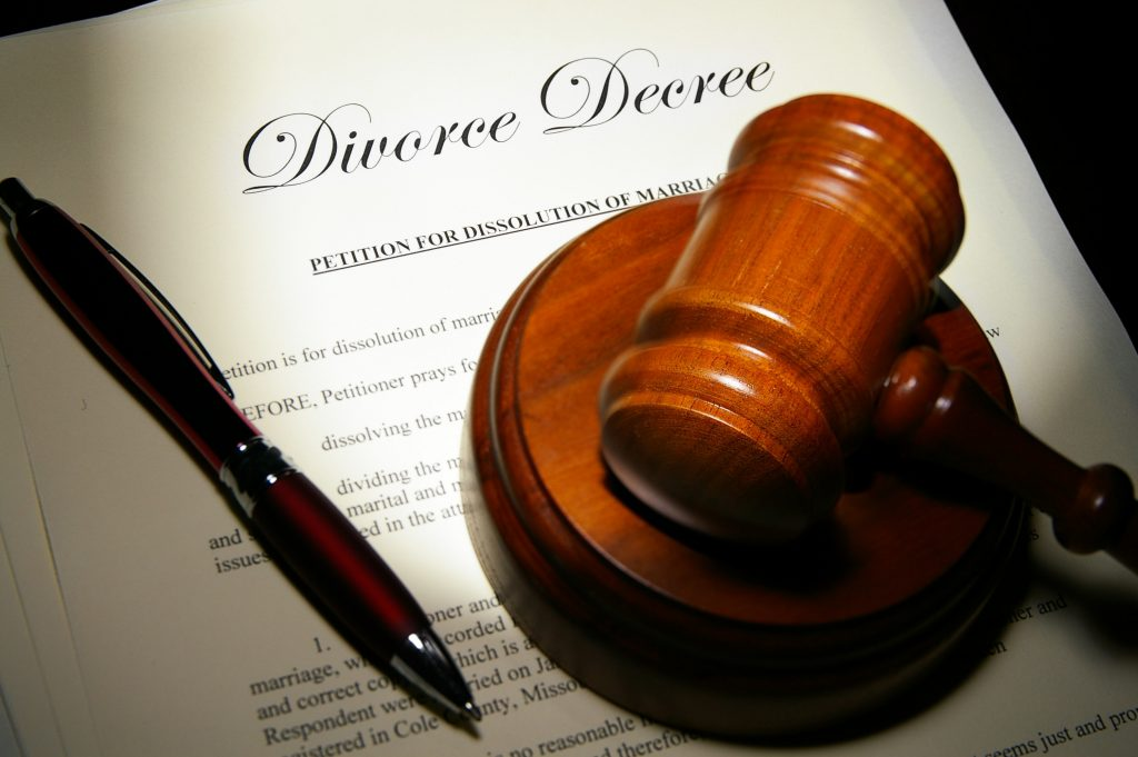 Learn More About a Divorce Lawyer